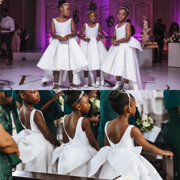 Afrique + haut + bas des robes de demoiselle pour les mariages Little Girl dentelle anniversaire robe première communication Girl Dress Pageant Robes Big Bow