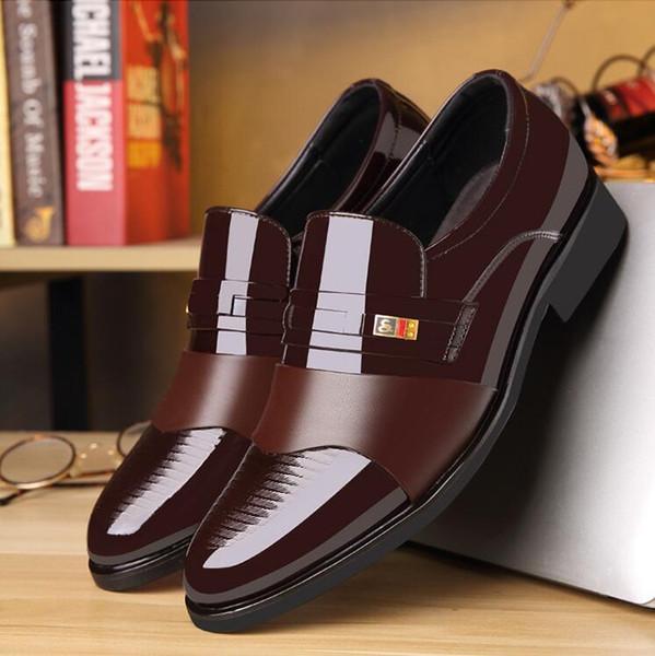 2019 sapatos de couro de patente dos homens homem de luxo sapatos de festa de casamento do dedo do pé apontado sapatos de trabalho de escritório de negócios tamanho 37-47 1a15