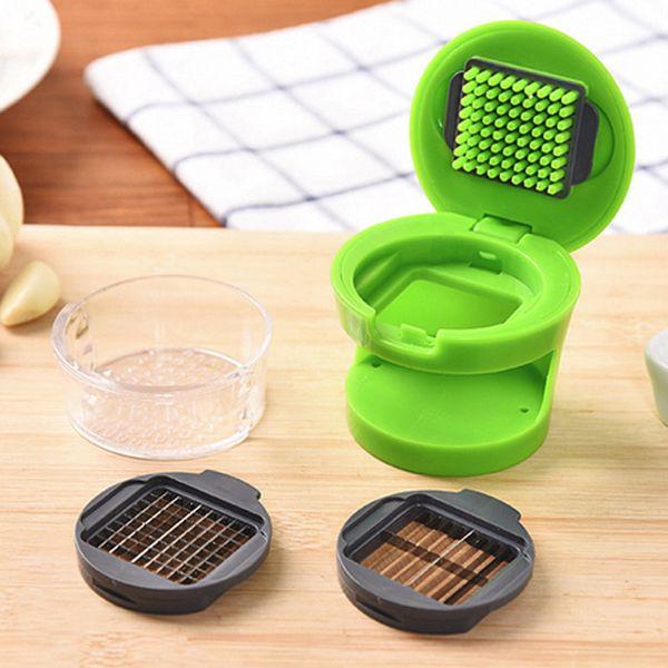 1pcs multifunction Plastic Garlic Press Presser Crusher Kitchen Vegetable Tool
