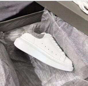 Nouvelle saison Designer Shoe Mode Luxe Femmes Chaussures Hommes cuir à lacets extra-grande plateforme unique Chaussures Blanc Noir Chaussures Casual fyz408