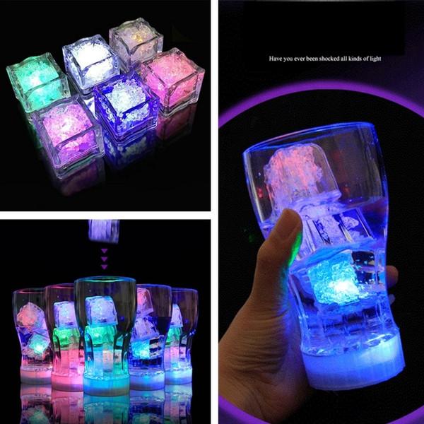 LED Ice Cubes Bar Rapide Flash Faible Flash Auto Changement Cristal Cube Actif À L'eau Lumière-up 7 Couleur Pour Le Mariage De Mariage Cadeau Décoration Décoration 4841