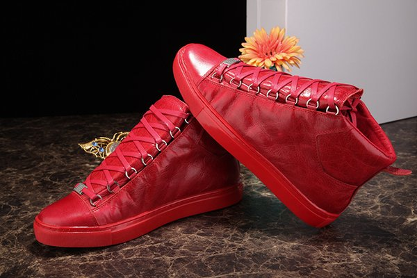 Yüksek Üst Buruşuk Deri Karışık Renkler Moda Marka Kırmızı Siyah Beyaz Tasarımcı Ayakkabı Toptan Yüksek Kaliteli Arena Ayakkabı Adam Rahat Sneaker