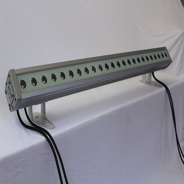 Il CE ROHS ha approvato la luce di lavaggio esterna IP66 il lavaggio della parete principale 24 * 3w / tubo digitale di RGB LED DMX512
