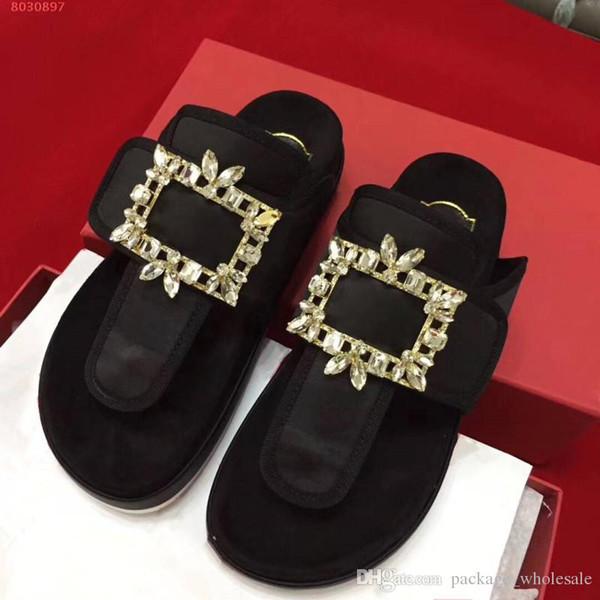 siyah moda ve pembe kadın perçinler için en son tasarım ayakkabı hakiki deri kadın terlik perçinler son tasarım