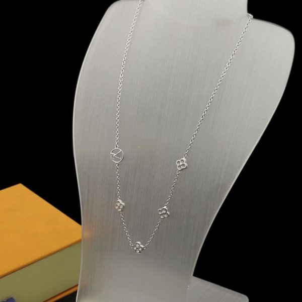 White gold/Necklace