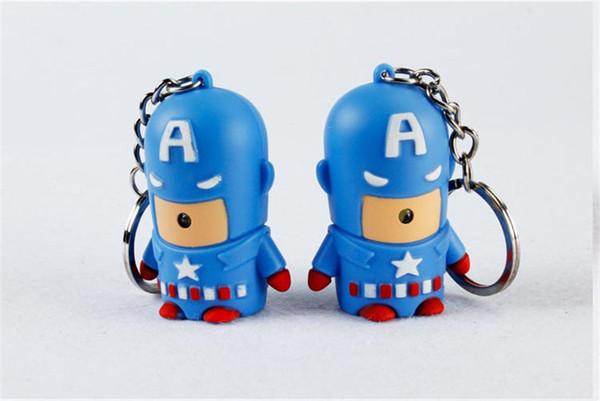 Sıcak Moda Süper Kahraman Batman Demir Adam Spiderman Superman Kaptan Amerika Anahtarlık En İyi Mini Action Figure Oyuncaklar Led Işık Anahtar Zincirleri halka