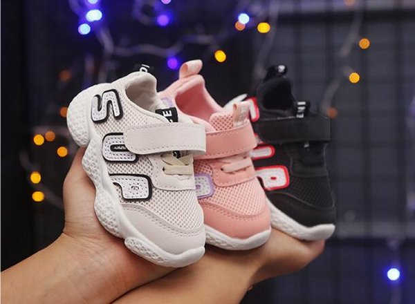 2019 enfants de la mode printemps nouveaux garçons chaussures de sport filles lettres casual chaussures bébé fond mou chaussures enfant livraison gratuite