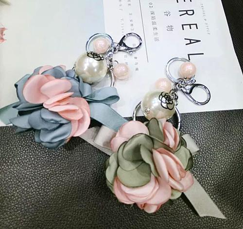 Moda E Venda Quente Primavera Adorável Saco de Flores Pingente de Arco Pérola Saco Pingente Chaveiro Atacado