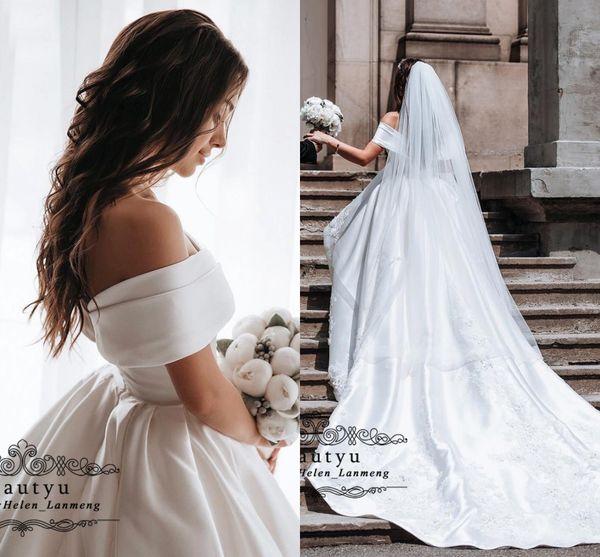 2019 White Satin Ball Gown Wedding Dresses Custom Made Off Shoulder Lace Appliques Chapel Train Bridal Gowns Plus Size Vetidos de novia