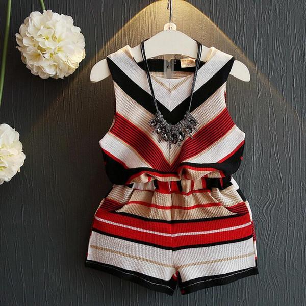Abbigliamento rosso Set.