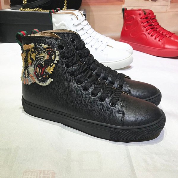 Zapatos tigre negro