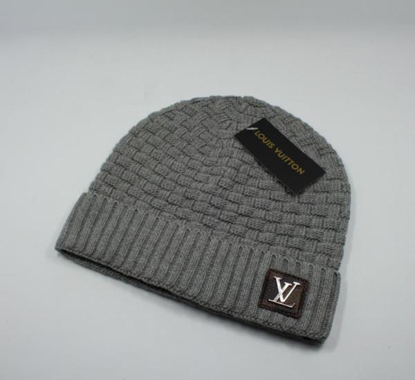Diseñador Skullies Gorras Gorros para hombres mujeres 2019 Nuevos Gorros de lujo de invierno punto monopatín cráneo gorras sombreros con etiqueta