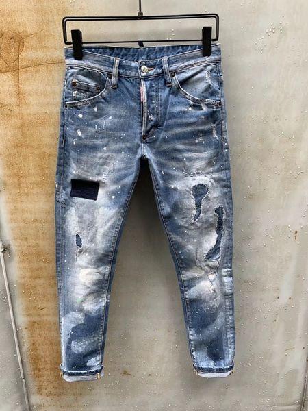 Die Hosen der Männer passten die Rock-angesagten Jeans der zufälligen spätesten Explosionstrendmode-Männer für