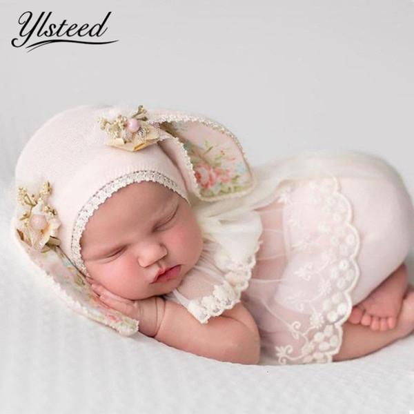 Ylsteed 3 piezas Conjunto recién nacido fotografía apoya bebé del oído de conejo del sombrero recién nacidos Ropa de disparo regalos linda muchacha del bebé recién nacido Trajes CJ191213