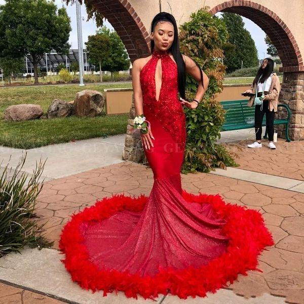 2019 Sexy V Scollo a V Mermaid Red Piuma Prom Dresses Sparkly Paillettes Appliques Cut-out Collo Alto Abiti Da Sera Africani Del Partito Vestidos