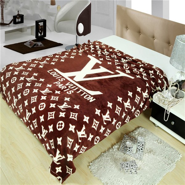 High-quality flannel blanket spring and summer fashion tide brand blanket comfort air-conditioned blanket sofa 150 * 200cm..