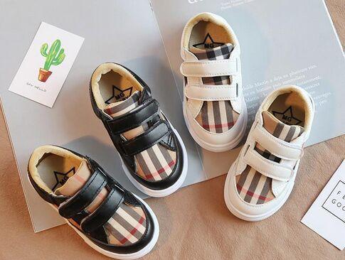 Schuhe Kinder für Mädchen-Kindersegeltuch-Schuh-Jungen-Turnschuhe 2018 neue Frühlings-Herbst-Mode Kinderfreizeitschuhe Cloth Flache Schuhe