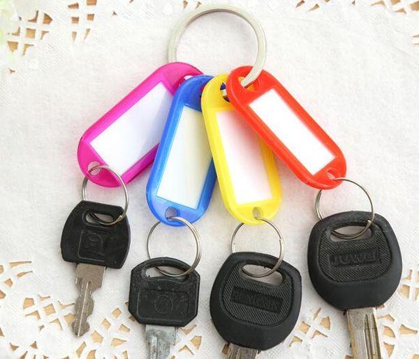 Смешать цвета пластиковые брелок Key Теги Id Название этикетки Метки с разрезным кольцом для перевозки багажа брелки кольца для ключей