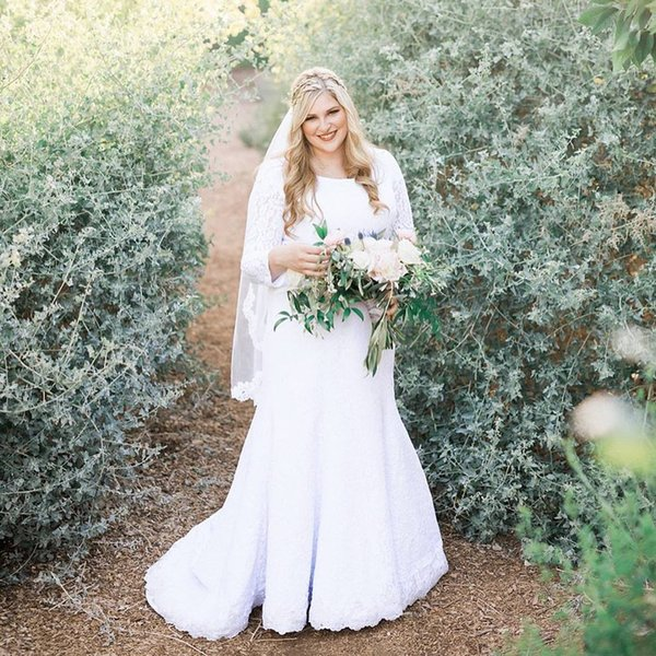 2019 Plus size Lace Mermaid Modest Wedding Dresses With Long Sleeves Scoop Neck Full Figure Women Modest LDS Bridal Gowns Simple