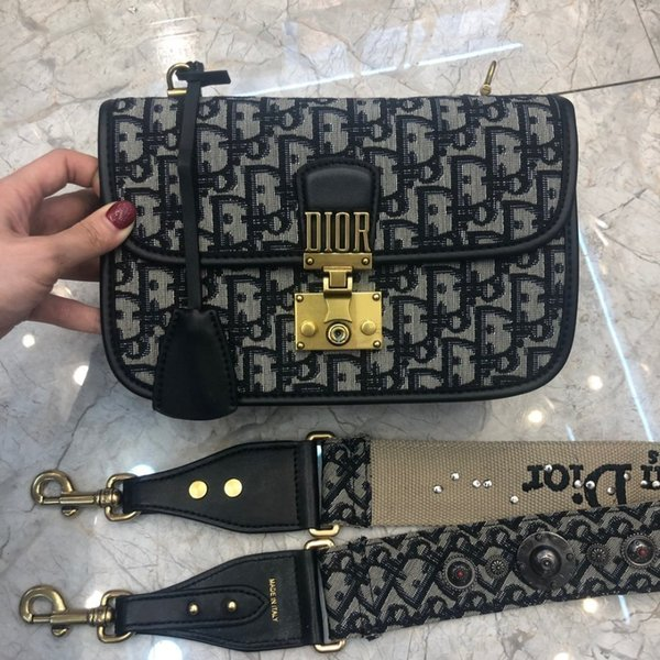 Designer main mode classique femmes mains chaîne imprimée en cuir carte Messenger portefeuille épaule Messenger taille: sac de mode 24 * 16 * 8