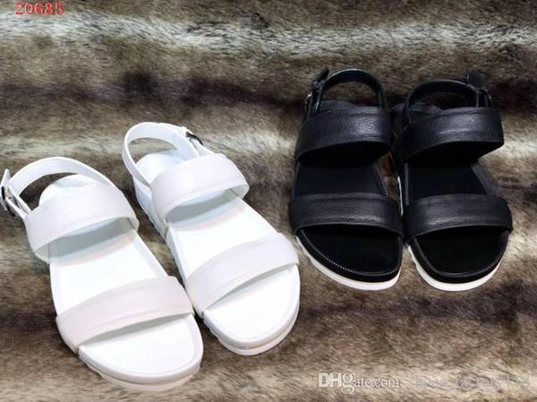 Hochwertige Freizeitschuhe für Männer Importierte Stoffe Originelle Kombisohle Flache Sandalen für Männer