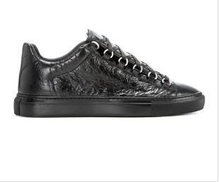 2017 Nuevo nombre del diseñador Marca Hombre Zapatos casuales Kanye West Moda Arrugada de cuero con cordones Low Cut Trainers Runaway