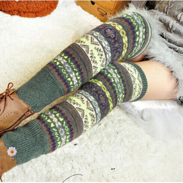 Las mujeres del invierno elegante sobre la rodilla cubierta larga del Knit del remiendo de las señoras coloridas del ganchillo del vintage elegante Legging