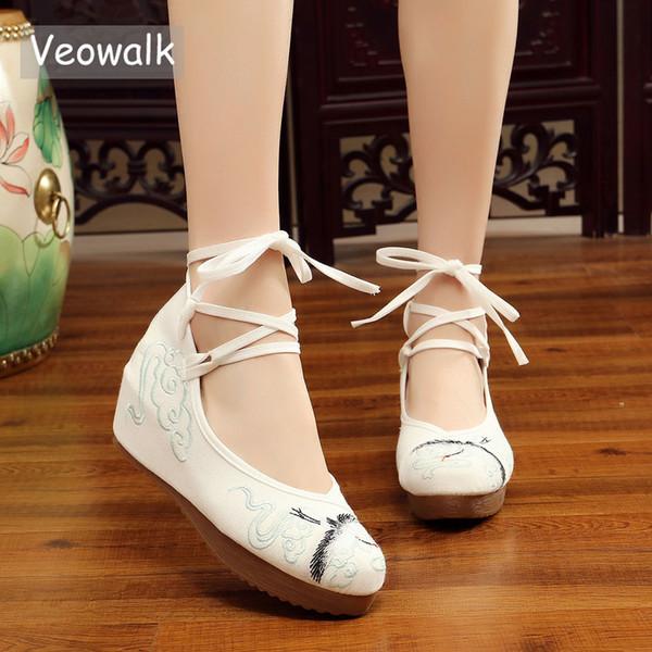 Dress Veowalk Old Peking Crane Embroidered Women's Ankle Strap Canvas Wedeg Pumps Medium Hidden Heel Platforms Shoes For Woman