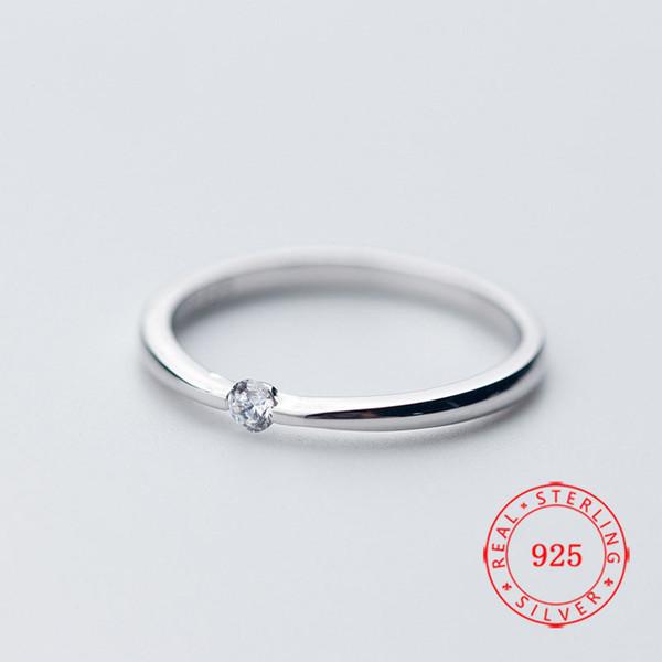 Il nuovo arrivo elegante argento 925 Solitaire anello Cubic Zirconia Ragazze Anello Progettato Coppia donna in oro bianco placcato all'ingrosso gioielli