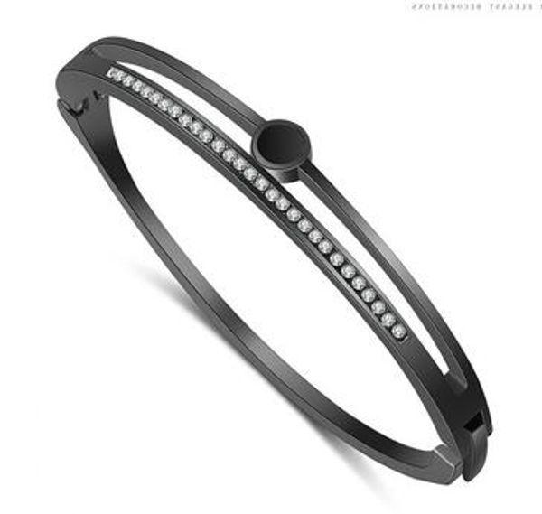 Hot style fashion simple heart heart heart bracelet hollow set diamond bracelet gift