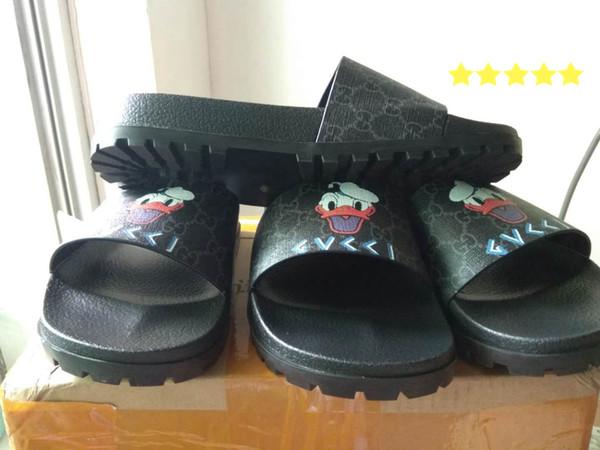 2019 hombres planos sandalias mujeres sandalias de moda de última moda estilo caliente de lujo zapatillas MM1126