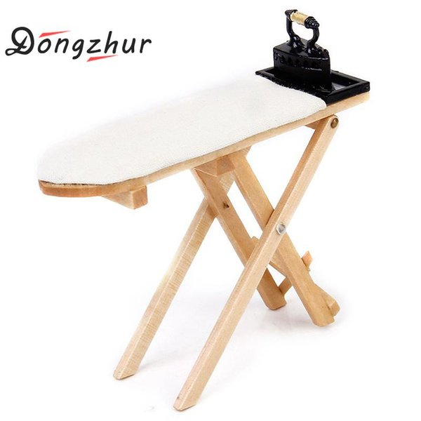 1 Unids Mini Craft Tabla de planchar de madera blanca Accesorios de escena Muebles de casa de muñecas en miniatura Juguete solo 1:12 Tabla de planchar de casa de muñecas