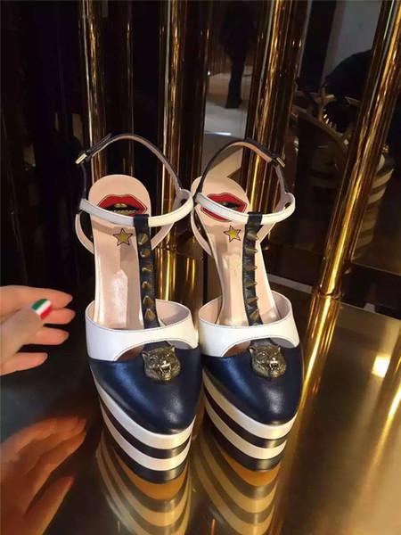 Sommer High Heel Sandalen Frauen Stachelnieten besetzt ein Gurtband Plattform T-Show Schuhe für Frauen Gladiator Salto Alto Schuhe von Mujer