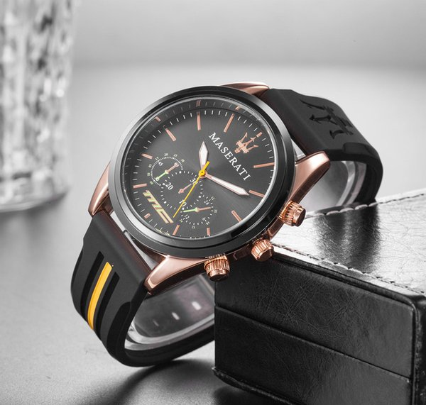 2019 Mode mens montres montre de luxe de designer femme classique avec caoutchouc noir Maserati Bracelet de montre 22mm montre-bracelet de personne d'affaires prix bas