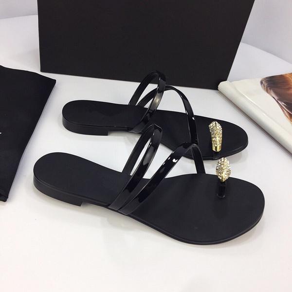 2019 New Women's Sandals Designer Shoes Luxury Slides Summer Fashion Wide Smooth Sandals Slippers Flip yz19051406