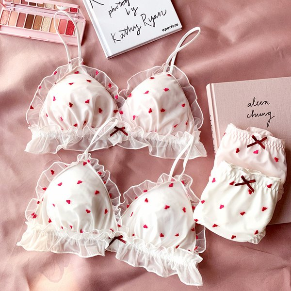 2018 new young girls small wire free sleep underwear lace love embroidery thin cup with pad Japanese lingerie bra and panty set T190910
