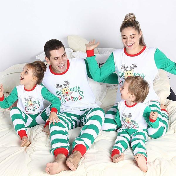 Venta caliente impresión linda encantadora familia a juego rayas pijamas de Navidad establece Navidad mamá papá niños niños ropa de dormir otoño moda