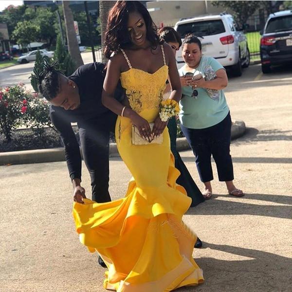 Wunderschöne Spaghetti-Strap African Yellow Prom Kleider 2019 Mermaid Lange Abendkleider Cutaway Perlen Müde Applique Party Vestidos