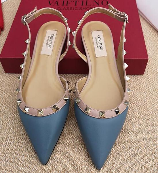 Yeni klasikleri kadın marka düz ayakkabı perçinler sandalet inek patent deri perçin kadın ayakkabı sivri burun büyük boy 34-43 v logo kutusu