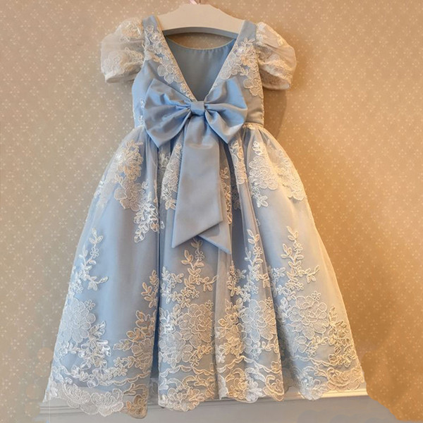 Sky Blue Lace Flower Girl Dress Floor Length with Bow Custom Made A-line Appliques Short Sleeves for Wedding Birthday Dresses Maxi Gowns