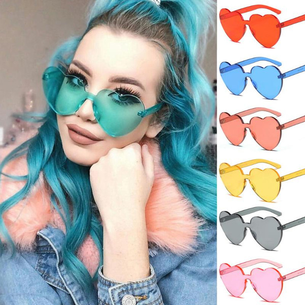 Heart Sunglasses for Ladies 2018 Hot Fashion Integrated UV Candy Eight Colour Steampunk Goggles Alloy+Resin Small Sunglasses
