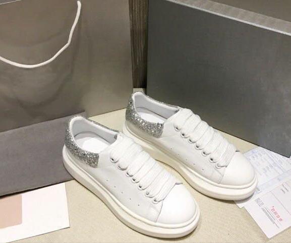 Yüksek Kalite Womens Moda Beyaz Deri Siyah Arka Platformu Ayakkabı Düz Günlük Ayakkabılar Lady Siyah Pembe Altın Kadınlar Beyaz spor ayakkabılar r43