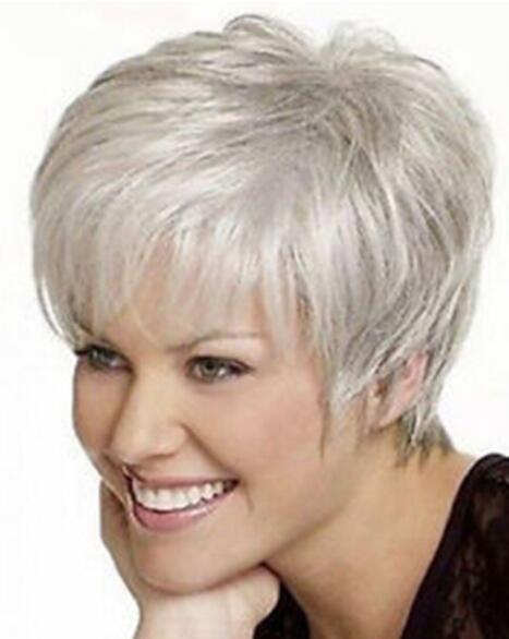 LIVRAISON GRATUITE + Belle dame courte perruque de cheveux synthétiques gris argenté
