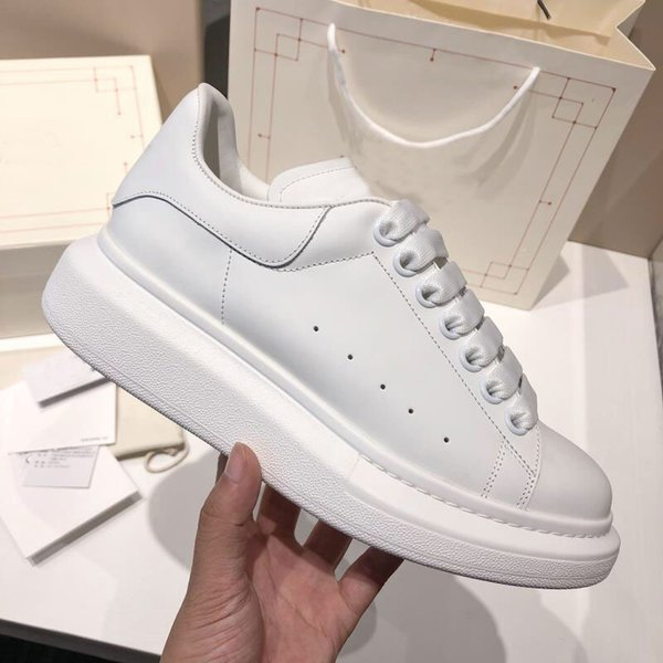 The best quality graffiti men's white shoes luxury Party Paris brand sports shoes with wide primer bottom designer shoes