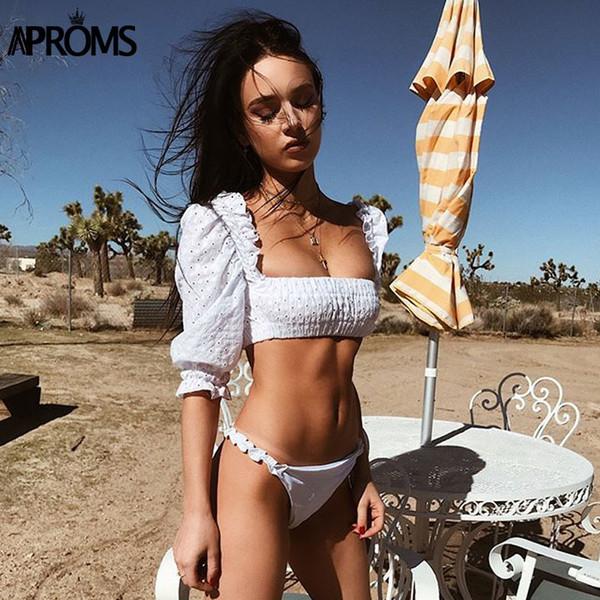 f42b0cb1c7 Aproms Branco Fora Do Ombro Ruffles Top Colheita Mulheres Puff Sleeve Tops  de Algodão Do Vintage