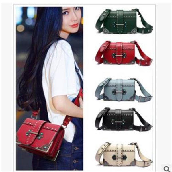 Lady 2018 New Pattern Demeanor Fashion Hundred And Up Minimalism Handbag Broadband Genuine Leather Small Square Package Factory