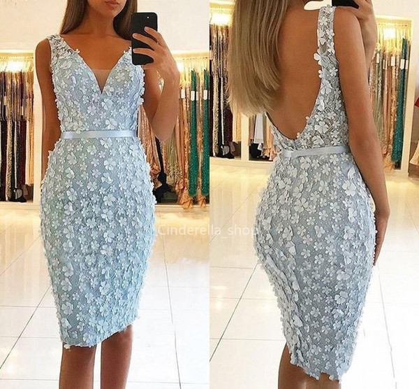 2019 Sexy Light Sky Blue Cocktail Dresses V-Neck 3D Floral Appliques Beaded Prom Dresses Party Dress Plus Size Knee Length Homecoming Gowns