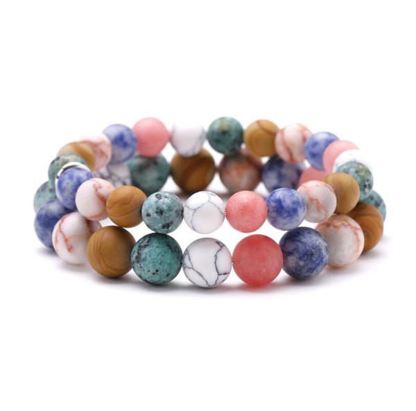 Le bracelet en pierre givrée naturelle est comme un lotus aquatique trempé dans de l'eau claire et des bijoux à cordes brillants