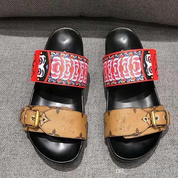 Дизайнерская обувь, открытые сандалии ног, весной и летом моды шоу, цвет, мужчины, пляж, елочки, печать, кожаные сандалии, кассета