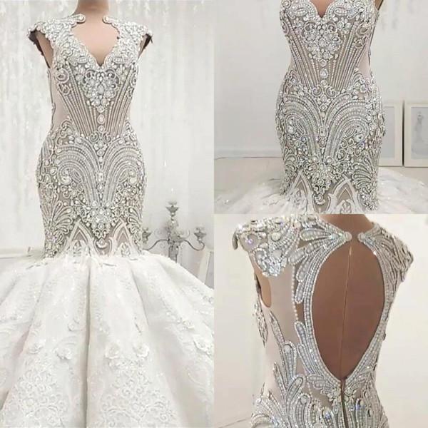 2019 cristales de abalorios de lujo sirena vestidos de novia sexy ahuecan hacia fuera sin espalda apliques sin mangas con pliegues vestidos de novia de novia largo BC0502